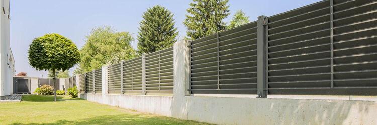 aluminium lamellás kerítés egy időjárást álló biztos megoldás