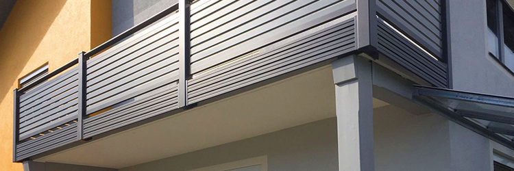 erkélykorlát számos stílusban elérhető