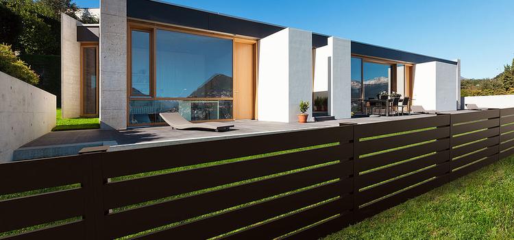 tökéletes és tartós megoldás házunk körbe kerítésére